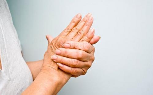 Суставы рук ног жить здорово уколы в суставах